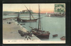 AK Antibes, Le Port, Vue prise de la Courtine, Hafen