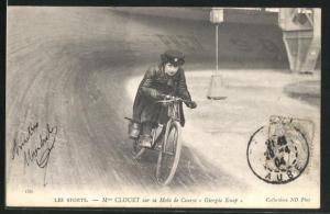 AK Derny-Fahrerin Mme Clouet auf einer Radsport-Bahn