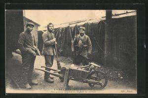 AK Prisonniers allemands faisant la corvee, Campagne de 1914-1915, Kriegsgefangene machen sauber