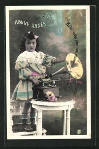 AK Kleines Mädchen am Grammophon