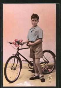 AK Kleiner Junge mit seinem Fahrrad