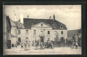 AK Frasne-le-Chateau, Ecole Saint-Joseph, La Facade