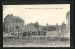 AK Romilly-sur-Seine, Le Groupe Scolaire de la Rue Gambetta