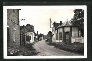 AK Berullè, Le Faubourg, Strassenpartie