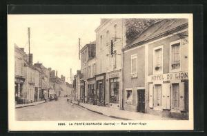 AK La Ferte-Bernard, Rue Victor-Hugo