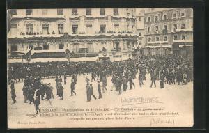 AK Nantes, Tenant a la main la Canne ferree, Le Capitaine de gendarmerie