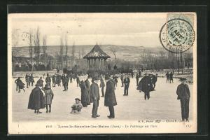 AK Lons-le-Saunier-les-Bains, Le Patinage au Parc