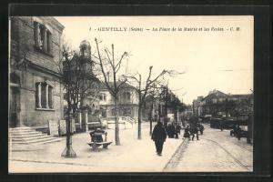 AK Gentilly, La Place de la Mairie et les Ecoles