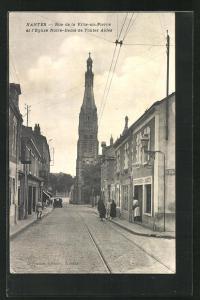 AK Nantes, Rue de la Ville-en-Pierre et l'Eglise Notre-Dame de Toutes Aides