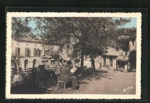 AK Monclar-de-Quercy, Un coin de la Promenade