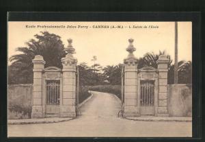 AK Cannes, L` Entrèe de l`EcoleProfessionelle Jules Ferry