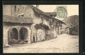 AK Montgesoye, Maisons Anciennes
