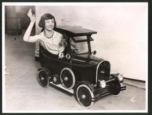 Fotografie Ausstellung London, Industries Fair, Auto-Modell Taxi Kleinstwagen
