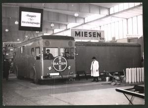 Fotografie Ausstellung Berlin, Bus Bayer - Agfa Fim - und Vortragswagen auf der Automesse