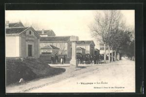AK Velleron, Les Ecoles
