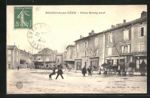 AK Bagnols-sur-Cèze, Place Bourg Neuf