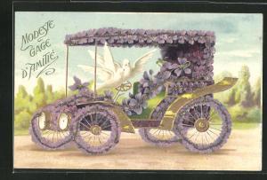Präge-AK Weisse Tauben auf Lenker im Auto mit Blumen
