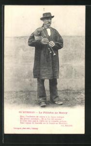 AK En Nivernais, Le Flûteux de Marcy, Sackpfeifenspieler