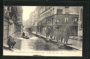 AK Paris, Inondations 1910, La Rue Bellechasse, Hochwasser