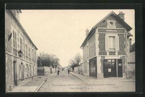 AK Chantilly-Vineuil-Saint-Firmin, Rue Neuve, Strassenpartie