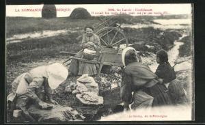 AK Waschfrauen bearbeiten ihre Wäsche am Fluss