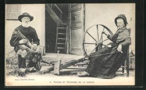 AK Bauern arbeiten am Spinnrad