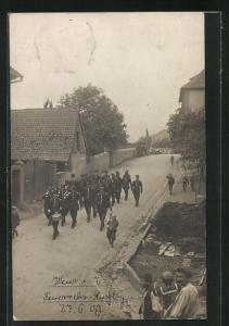 Foto-AK Weier im Thal, Feuerwehr-Ausflug 1909, Feuerwehrleute in Uniform