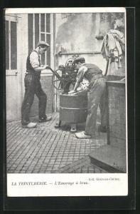 AK Männer waschen Wäsche, La Teinturerie, L`Essorage à bras