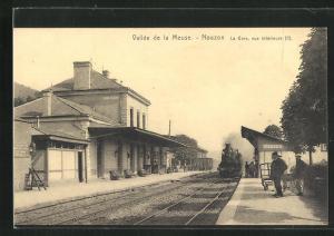 AK Nouzon, La Gare, vue intérieure, Bahnhof