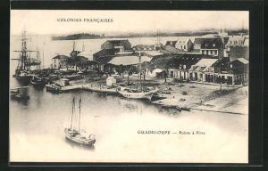 AK Pointe a Pitre, Blick auf Hafen, Segelschiffe und Häuser