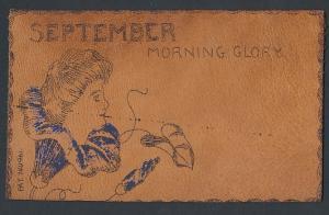 Leder-AK September - Morning Glory, Damenkopf auf einer Blüte