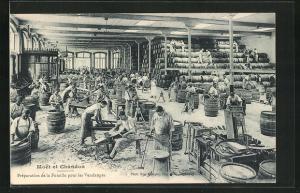 AK Champagne, Maison Moet et Chandon, Préparation de la Futaille pour les Vendages, Weinverarbeitung