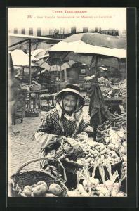AK Toulouse, Une vieille Revendeuse du Marche du Capitole, alte Frau mit Kartoffeln und Gemüse, Stadttyp
