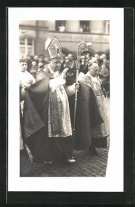 Foto-AK Bischof mit Stab beim Segensgruss