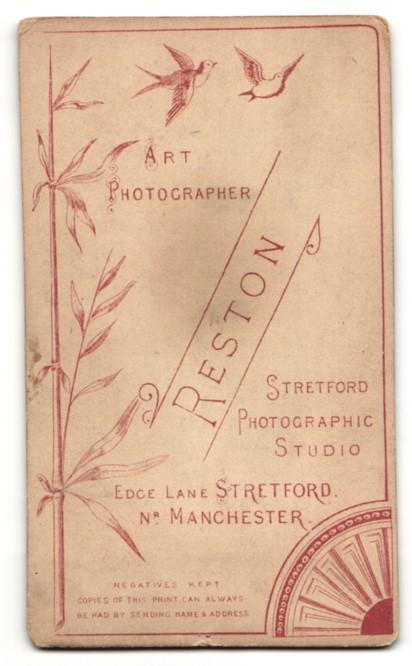 Fotografie Reston, Stretford, Mann mit Schnauzbart in kariertem Anzug 1