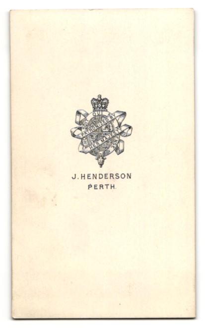 Fotografie J. Henderson, Perth, Mann sitzend mit breiten Kotletten 1