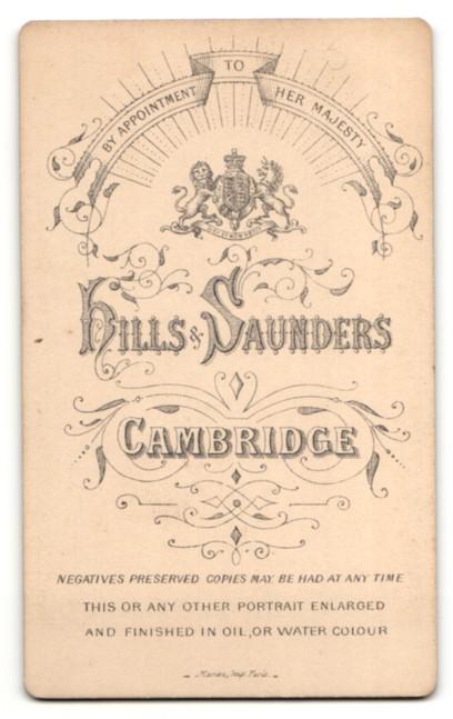 Fotografie Hills & Saunders, Cambridge, Mann im Anzug mit schmalem Oberlippenbart 1