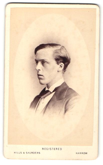 Fotografie Hills & Saunders, Harrow, Mann im Anzug mit Krawatte, Portrait 0