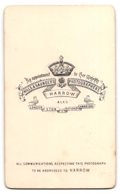 Fotografie Hills & Saunders, Harrow, Mann im Seitenprofil im Anzug 1