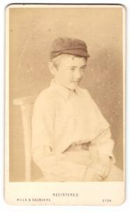 Fotografie Hills & Saunders, Eton, Portrait Knabe mit Schiebermütze