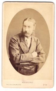 Fotografie Hills & Saunders, Eton, Portrait bürgerlicher Herr mit Backenbart