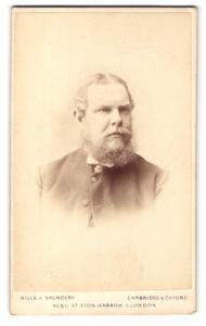 Fotografie Hills & Saunders, Cambridge, Portrait Herr mit Vollbart