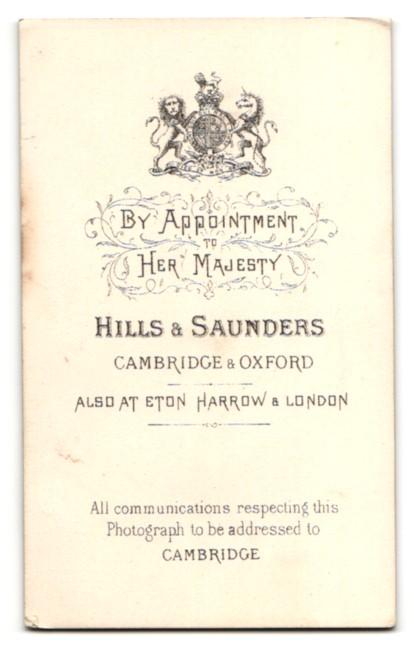 Fotografie Hills & Saunders, Cambridge, Portrait blonder Knabe im Anzug 1