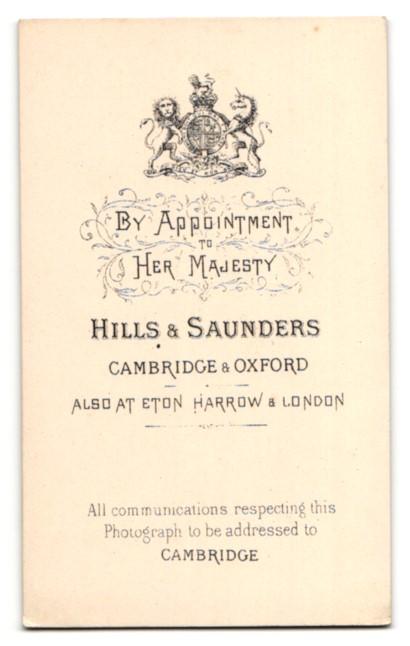 Fotografie Hills & Saunders, Cambridge, Portrait ältere Dame mit Haube 1