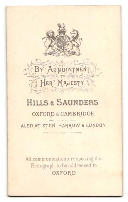 Fotografie Hills & Saunders, Oxford, Portrait junger Herr im Anzug mit Schnauzbart 1