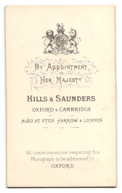 Fotografie Hills & Saunders, Oxford, Portrait blonder junger Herr im Anzug 1