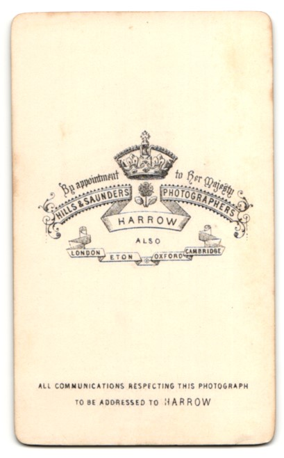 Fotografie Hills & Saunders, Harrow, Portrait junger Mann mit Krawattentuch 1