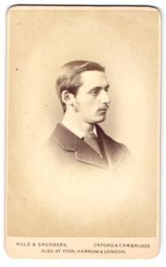 Fotografie Hills & Saunders, Oxford, Portrait junger Herr im Profil