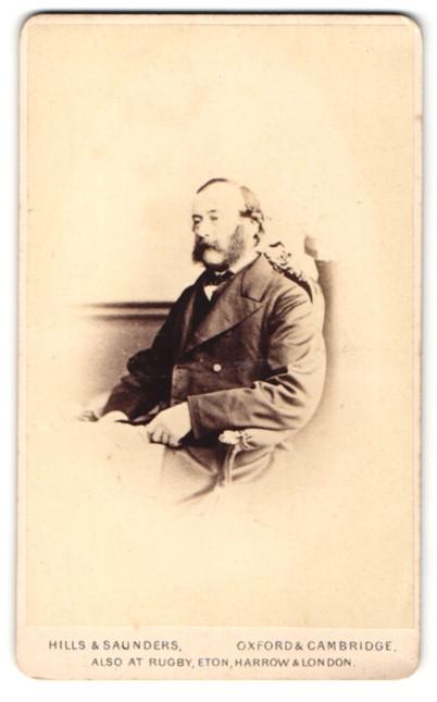 Fotografie Hills & Saunders, Oxford, Portrait bürgerlicher Herr mit Backenbart 0