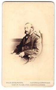 Fotografie Hills & Saunders, Oxford, Portrait bürgerlicher Herr mit Backenbart